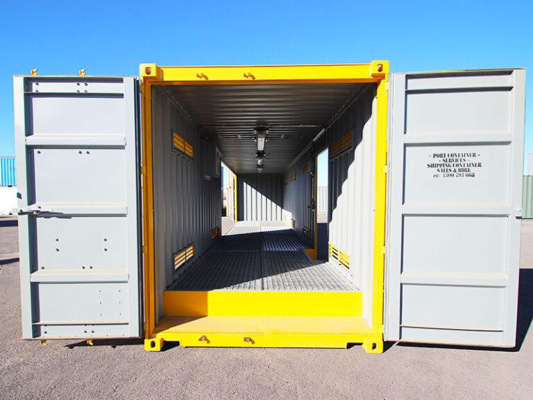 40ft-dg-doors-open
