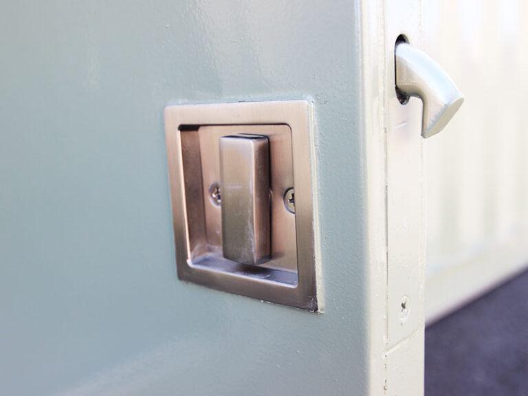 lock-on-door
