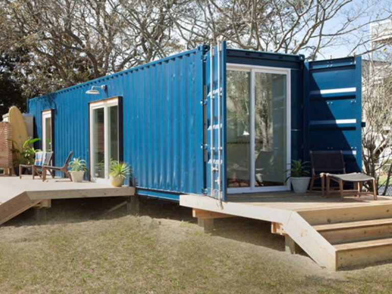 container-home-blue