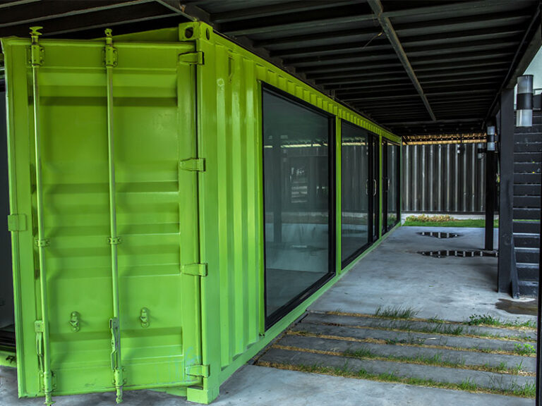 green-container-home